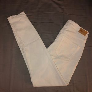 White Hollister Ankle Skinny Jeans